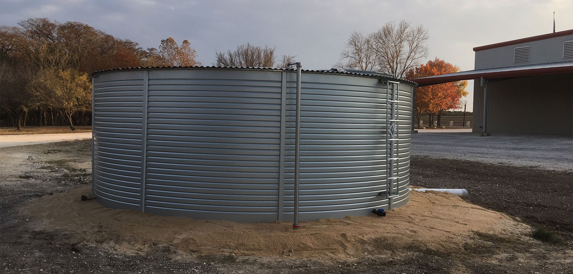 Tanks Alot selling Pioneer Water Tanks for Texas business